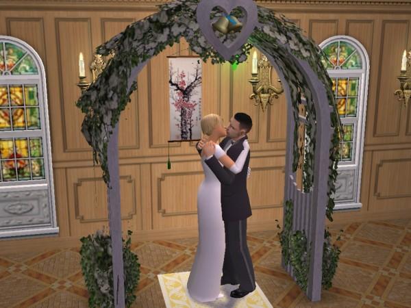 Joey and Bailey kiss