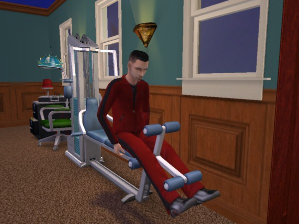 Joey on the weight machine