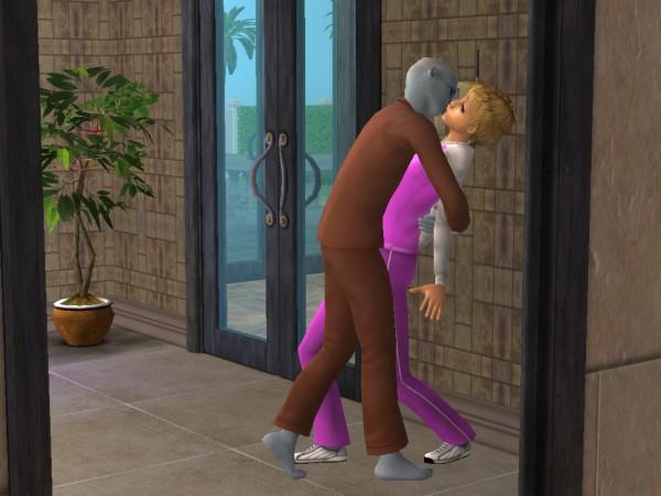 Juan kisses Delaney